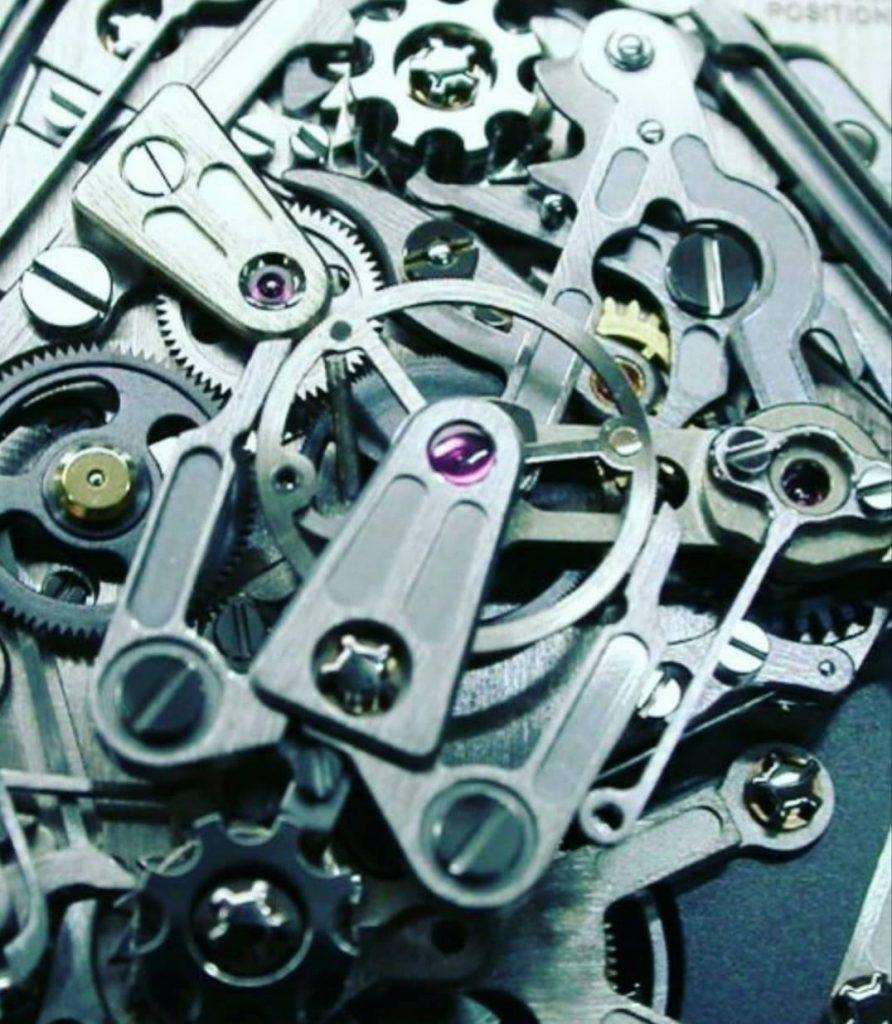 Mouvement passé entre les mains d'Edouard l'horloger rhabilleur