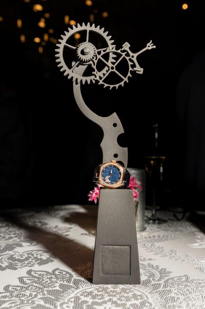 Le trophée remporté par Le Rhöne