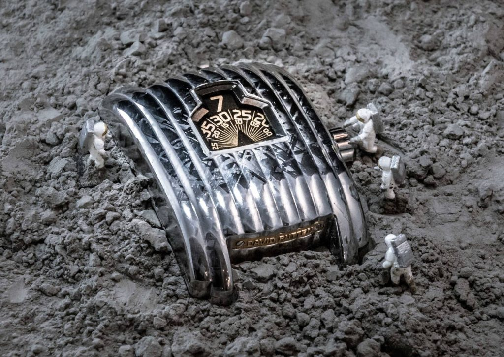 David Rutten montre en météorite