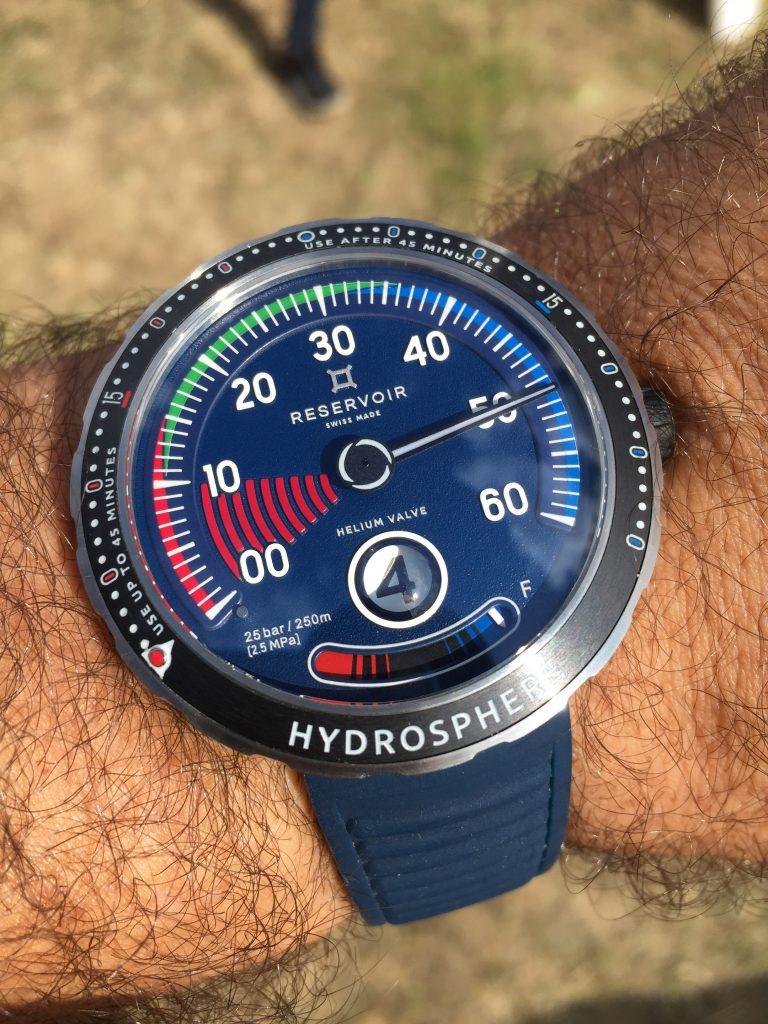 Reservoir Hydrosphère dans sa livrée bleue