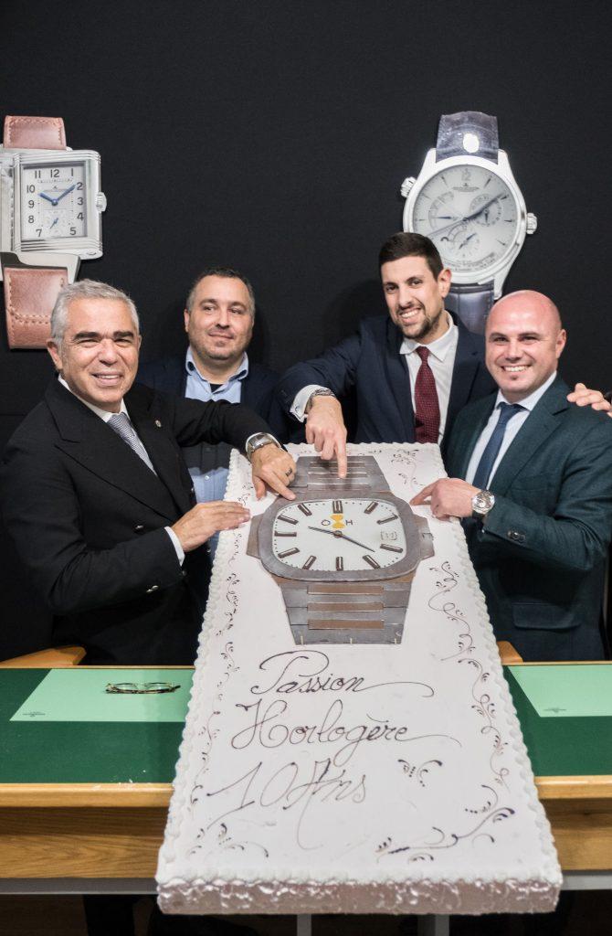 Le gâteau d'anniversaire, très horloger, rare, et précieux... Photo Laurent Andreani