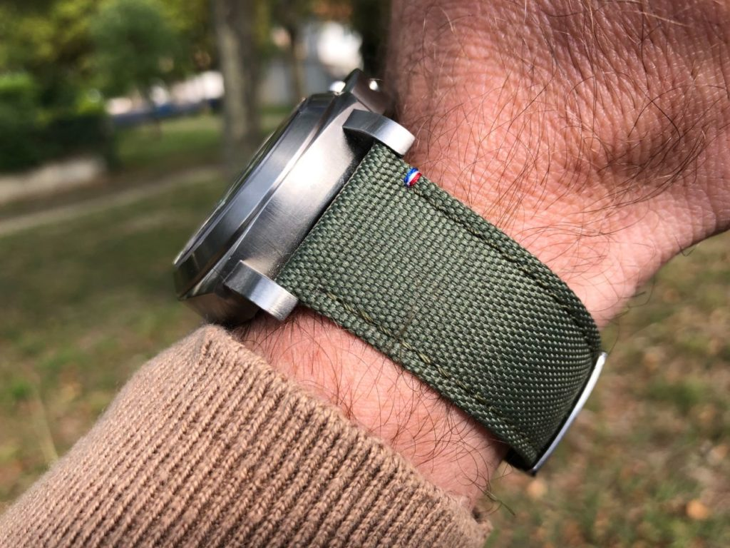Une montre virile équipée d'un bracelet costaud et de qualité !