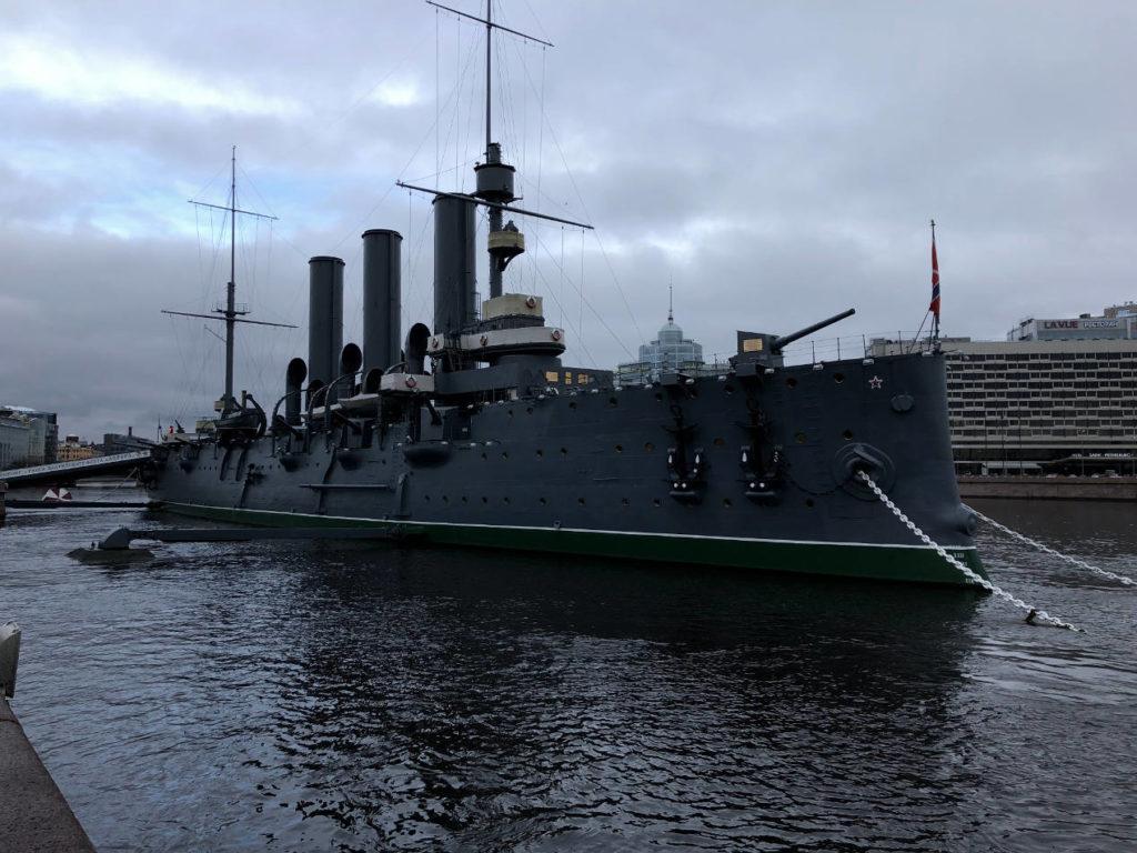 Le croiseur Aurore qui a donné le coup d'envoi de la Révolution de 1917