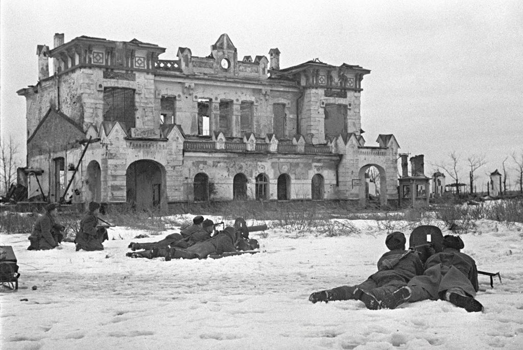 Le siège de Leningrad en 1944. Une des batailles les plus terribles de la Seconde Guerre Mondiale