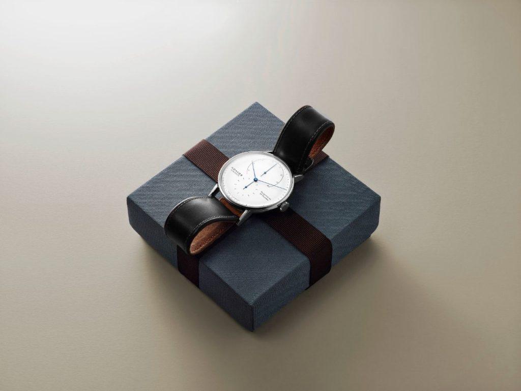 Sera-t-elle aussi dans le calendrier ? Ou bien sous le sapin ? La montre Lambda de NOMOS Glashütte.