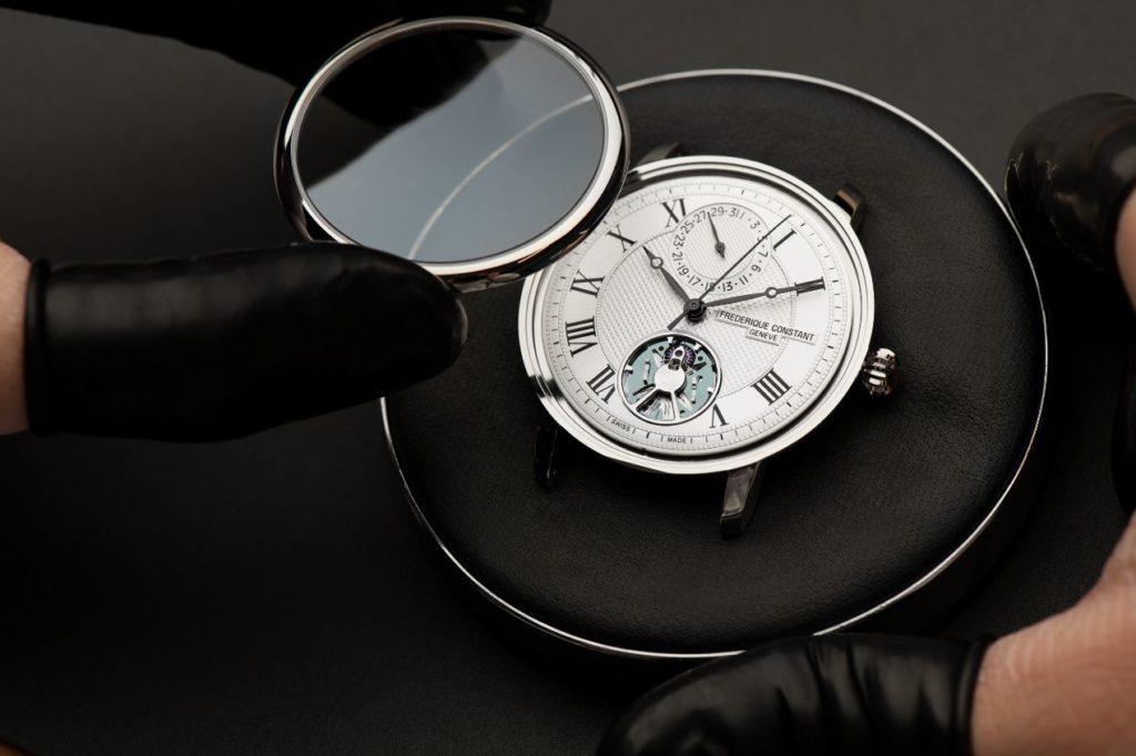 Les montres Frederique Constant sont assemblées avec le plus grand soin