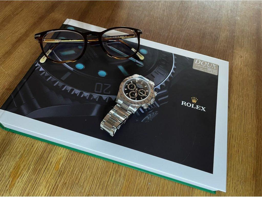 Emmanuel se plait à se documenter sur la marque et sur l'univers Rolex.