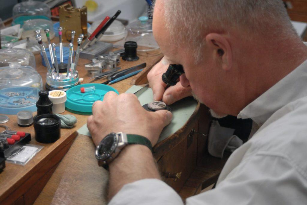 Même si passionné d'horlogerie mécanique, l'horloger ne trouve rien à reprocher à sa Garmin Marq Golfer.