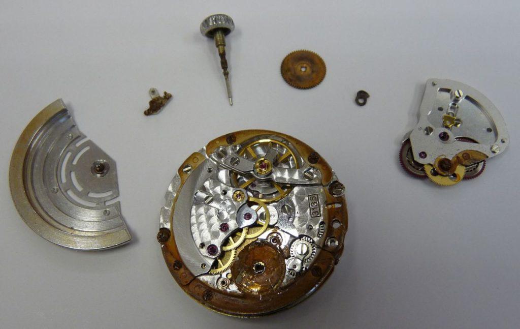 Mouvement Rolex en opération sauvetage au Centre Horloger de Provence