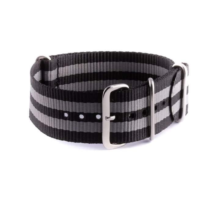 Le célèbre bracelet NATO Bond.