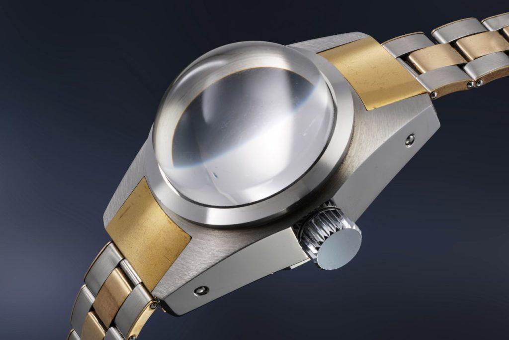 Véritable monument de la conquête des profondeurs, cette montre devrait atteindre des sommets aux enchères !