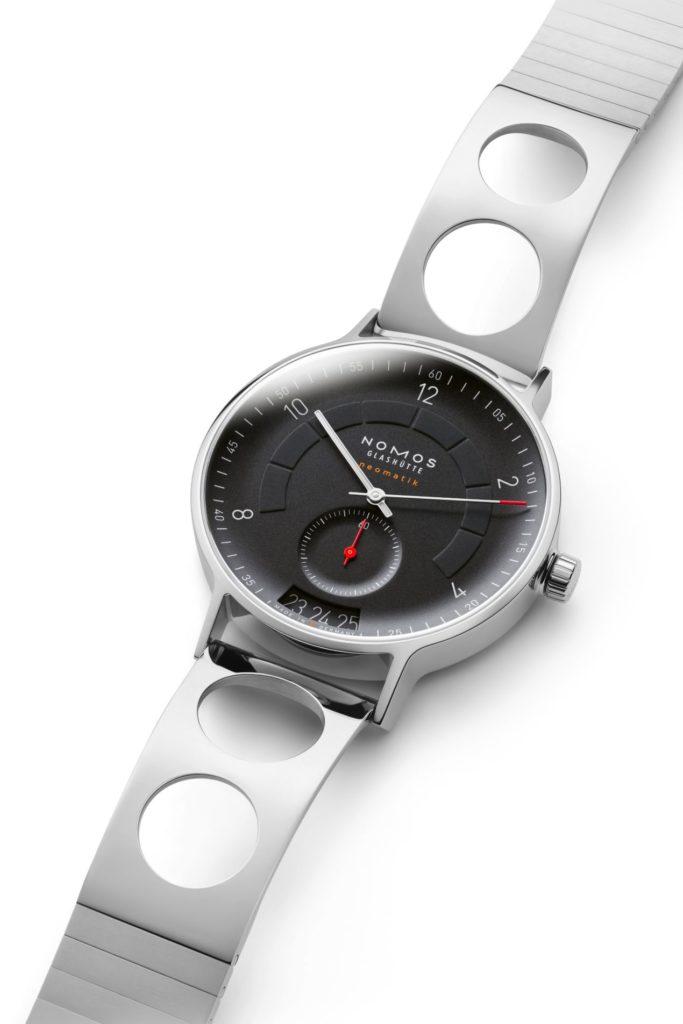 Un superbe bracelet an acier pour cette magnifique montre !